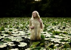Photography by Kirsty Mitchell   Wonderland collection: http://www.kirstymitchellphotography.com/gallery.php?album=5