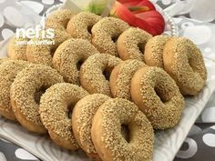 Kandil Simidi( Kıyır Kıyır) Pastry Recipes, Meat Recipes, Cooking Recipes, Minced Meat Recipe, Apple Cider Donuts, Tasty, Yummy Food, Easy Cookie Recipes, Turkish Recipes