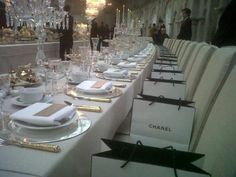 Hmmm now this is one dinner party I'd love to be invited to!