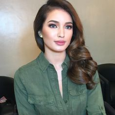 Tips For Changing Your Hairstyle. If you like your hairdo, there's no reason to agonize over making a s Bridal Hair And Makeup, Bride Makeup, Hair Makeup, Bride Hairstyles, Cool Hairstyles, Asian Makeup Prom, Sarah Lahbati, Filipina Beauty, Hot Hair Styles