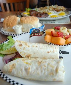 Kelli Wong Photography: Lunch at the Black Bear Diner in Sequim, WA.