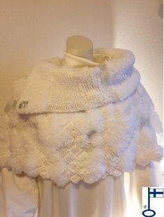 Sari-poncho Valkoinen blingbling - by itu Fur Coat, Sari, Bling, Jackets, Fashion, Down Jackets, Moda, Saree, Fashion Styles