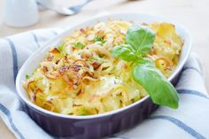 It is the recipe for the main course, but so as to accompaniment to meat to enjoy. Zucchini Pizzas, Pasta Casserole, Gourmet Desserts, Culinary Arts, Food Plating, Potato Salad, Macaroni And Cheese, Food Photography, Veggies