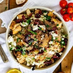 It doesn't get much easier or much mored delicious that this Keto Instant Pot Chicken and Mushrooms! This simple recipe is a healthy option that suits all types of diets! Mediterranean Seasoning, Mediterranean Diet, Wildly Delicious, Pressure Cooker Chicken, Chicken Cooker, Crispy Chicken, Keto Chicken, Chicken Recipes, Stuffed Mushrooms