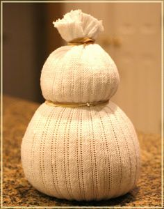 DIY No-Sew Sock Snowmen! | BlogHer