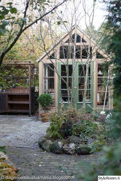 The 10 Best greenhouse ideas Greenhouse Kitchen, Simple Greenhouse, Greenhouse Supplies, Lean To Greenhouse, Outdoor Greenhouse, Dome Greenhouse, Portable Greenhouse, Greenhouse Growing, Greenhouse Plans