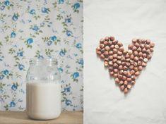 Homemade hazelnut milk (vegan milk) / Domowe, wegańskie mleko z orzechów laskowych