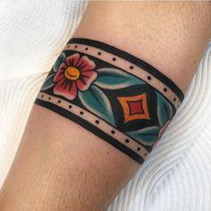 Arm Wrap Tattoo, Wrist Band Tattoo, Cuff Tattoo, Arm Tattoo, Love Tattoos, New Tattoos, Oldschool Tattoos, Band Tattoo Designs, Native Tattoos