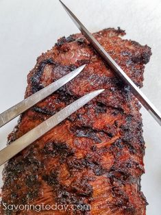 A tri-tip roast has three points so the grain changes direction while cutting (each roast is different). Tri Tip Steak Recipes, Pork And Beef Recipe, Grilling Recipes, Beef Recipes, Cooking Recipes, Healthy Recipes, Tritip Roast Recipes, Bbq Tri Tip, Fruit Calories