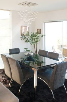 50 salas de jantar projetadas por profissionais do CasaPRO - Casa Dining Area, Dining Chairs, Dining Table, Dining Rooms, Sweet Home, House, Furniture, Design, Luz Natural