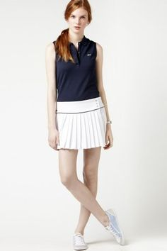 Sleeveless tennis shirt combined with flare skirt