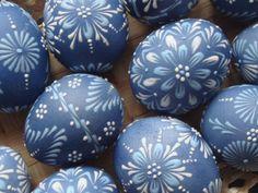 Kraslice modré - voskový reliéf Ručně malované kraslice technikou voskový reliéf.