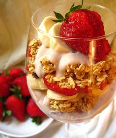 Berry Breakfast Parfaits #vegan #breakfast #yummy #recipe::