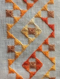 Home Decor ideas &Home Garden & Diy Hand Embroidery Videos, Embroidery Works, Creative Embroidery, Hand Embroidery Stitches, Embroidery Techniques, Cross Stitch Embroidery, Phulkari Embroidery, Hardanger Embroidery, Border Embroidery Designs