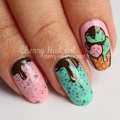 nail art gourmand cone de glace et coulis Daisy Nail Art, Daisy Nails, Hot Nails, Swag Nails, Nail Art Designs, Little Girl Nails, Food Nail Art, Cherry Nail Art, Ice Cream Nails