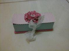 Lembrancinhas casamento, aniversario  caixinha de papel retangular  ideal para doces finos  faco na cor que desejar tamanho14x4x4cm