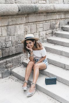 Primavera_Sound-HM-Stripped_Shorts-Canotier-Hat-Espadrilles-Outfit-Summer-Collage_Vintage-49