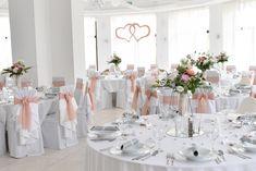 #wedding #esküvő #hochzeit #weddingbackground #esküvőiháttérdekoráció Background Decoration, Wedding Background, Table Settings, Table Decorations, Elegant, Pink, Powder, Furniture, Home Decor
