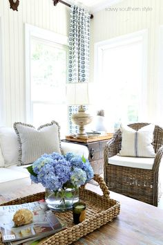 southern home decor Savvy Southern Style: My Eclectic Summer Sunroom Country Kitchen Flooring, Country Dining Rooms, Country Furniture, Furniture Ideas, Vintage Farmhouse Decor, Country Farmhouse Decor, French Country Decorating, Primitive Country, Primitive Bedroom