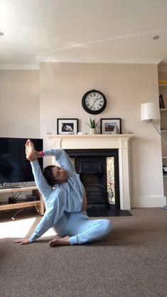 yoga poses for beginners flexibility ~ yoga poses for beginners ; yoga poses for two people ; yoga poses for beginners flexibility ; yoga poses for flexibility ; yoga poses for back pain ; yoga poses for kids Yoga Fitness, Fitness Workouts, Power Yoga Workout, Flexibility Workout, Flexibility Stretches, Beginner Yoga Workout, Workout Body, Improve Flexibility, Yoga Bewegungen