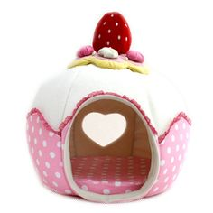 strawberry cake dog house- Too funny! Guinea Pig House, Guinea Pigs, Pet Beds, Dog Bed, House Cake, Cat Room, Animal House, Woodworking Projects Plans, Dog Houses