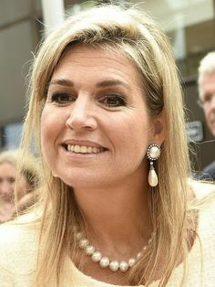On September 28, 2016, Dutch Queen Maxima visits the 10th anniversary of foundation Piezo (Participation, Integration and Emancipation Zoetermeer) in Zoetermeer, The Netherlands. Piezo focuses on people in vulnerable situations, to support them to find their way into society by the ''Piezo Methodology'. Queen Maxima wore NATAN Dress Queen Maxima wore NATAN Dress, Carlend Copenhagen python clutch bag, Natan python pumps