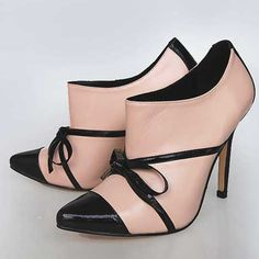 Now this is a SHOE!!! Give me the Manolos!