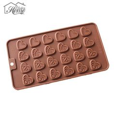 Chocolates, Fondant Christmas Cake, Bolo Fondant, Diy Kitchen Accessories, Silicone Chocolate Molds, Diy Accessoires, Egg Tart, Candy Cookies, Baking And Pastry