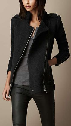 Burberry Brit Zip Detail Cardigan Jacket with Removable Sleeves. I NEED a Burberry! Mode Outfits, Casual Outfits, Fashion Outfits, Womens Fashion, Fashion Sets, Winter Stil, Burberry Jacket, Look Fashion, Autumn Winter Fashion