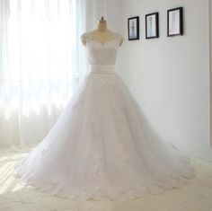 2016 Newest wedding dress A-line Lace Appliques sleeveless