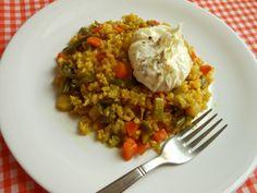 Arroz integral al curry con verduras y huevos escalfados (light)