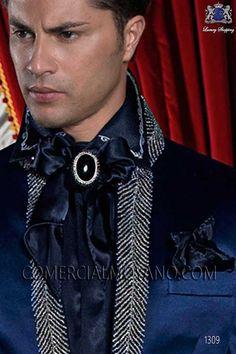 Vendo Foulard con pañuelo raso azul > foulard con pañuelo en raso azul. elaboracion rematada con vuelta.. [img-5194-left-large_default]. ...