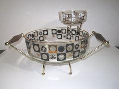 Vintage Mid Century Modern Atomic Starburst Glass Cip and Dip Bowl Set