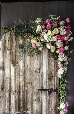 Unul din cele cinci trend-uri ale aranjamentelor florale pentru nunti pe anul 2015  Restul tendintelor le puteti gasi aici: http://www.weddingideasmag.com/5-hot-wedding-flower-trends-for-2015/#.VRQalfyUf2c