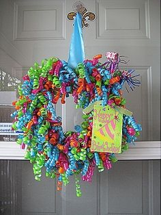 Curly ribbon wreath - easy to make and to customize crafts-and-gifts