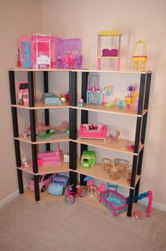 Barbie House ~ I converted corner book shelves into a Barbie Mansion! Barbie Storage, Barbie Organization, Diy Storage, Modern Dollhouse Furniture, Diy Barbie Furniture, Girls Dollhouse, Diy Dollhouse, Doll House Plans, Barbie Doll House