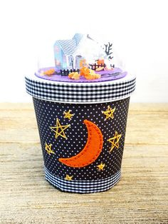 Embellished Halloween Pint Container by Erin Lincoln for Papertrey Ink (August 2016)