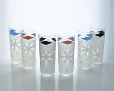 Hey, I found this really awesome Etsy listing at https://www.etsy.com/listing/172791209/6-vintage-glass-tumblers-snowflake-new