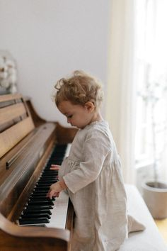 Cute Kids, Cute Babies, Baby Kids, Baby Pictures, Baby Photos, Little People, Little Ones, Children And Family, Kind Mode