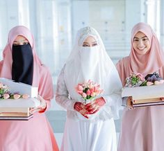 niqap islamic wedding Hijabi Wedding, Muslimah Wedding Dress, Asian Wedding Dress, Muslim Wedding Dresses, Muslim Brides, Muslim Women, Beautiful Hijab, Beautiful Bride, Cute Muslim Couples