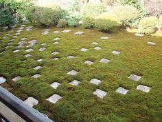 今見てもモダンさを感じる京都のお寺のお庭です。確か東福寺だったかと。