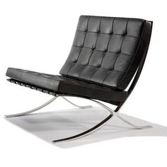Barcelona Chair Mies Van der Rohe _beautiful, but uncomfortable