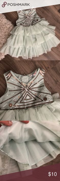 Toddler girl ruffle dress 2-3T Almost new H&M Dresses Casual