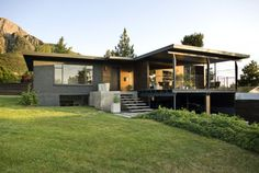 Modernes renoviertes Holzhaus in Utah
