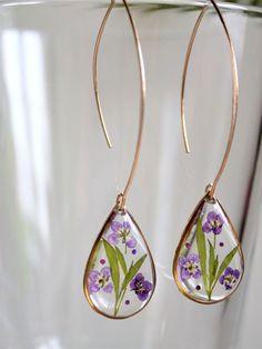 HAILEYNOLIN.COM. #resinart #epoxyart #casting #lacing Boho Jewelry, Jewelry Crafts, Handmade Jewelry, Jewelry Box, Jewelry Stores, Silver Jewelry, Fantasy Jewelry, Walmart Jewelry, Jewelry Findings