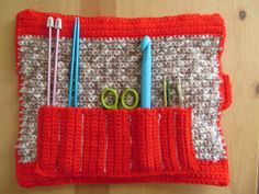 Crochet Hook Case  This would be perfect!