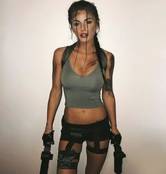 Laura Croft, Tomb Raider costume