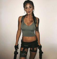 Laura Croft, Tomb Raider costume