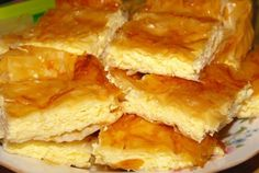 Placinta cu branza a bunicii! Iata ingredientul secret care o face Romanian Desserts, Romanian Food, Sweets Recipes, Cake Recipes, Cooking Recipes, Foods To Eat, I Foods, Albanian Recipes, Quiches