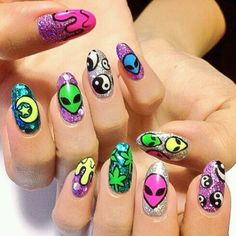 Imagen de nails, alien, and grunge